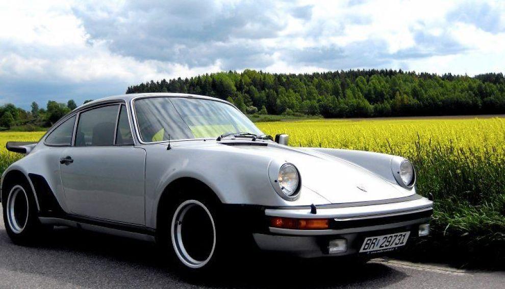 <b>TURBO:</b> Porsche hadde brukt turbo på sine racingbiler flere år. Men da 911-modellen kom med turbo i 1974, var det den første serieproduserte med denne teknikken fra Stuttgart-fabrikken.