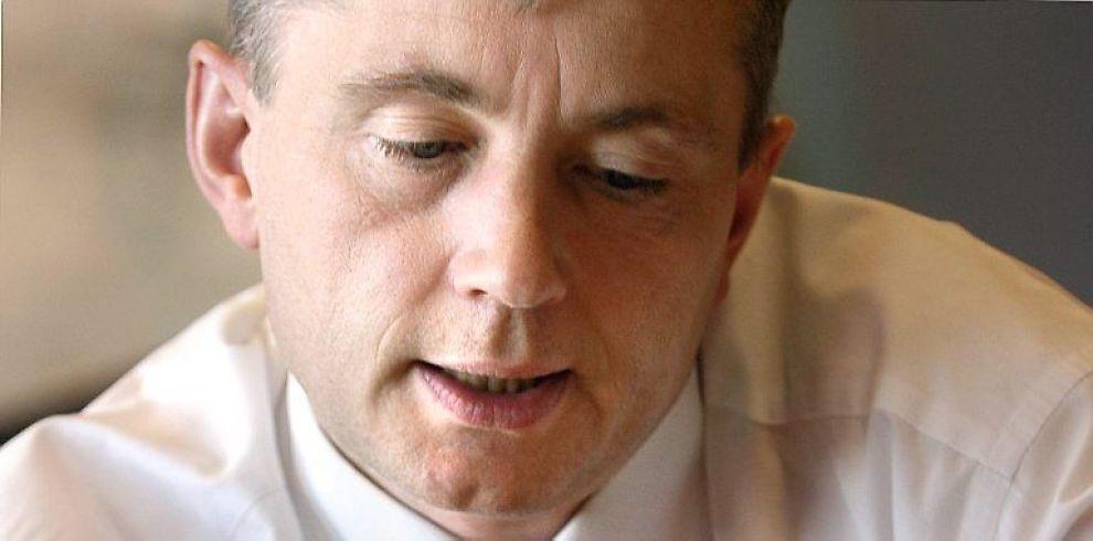 <b>VIL HA RIMELIGERE ADVOKATER:</b> Justisminister Knut Storberget ønsker en makspris på salær til advokater.