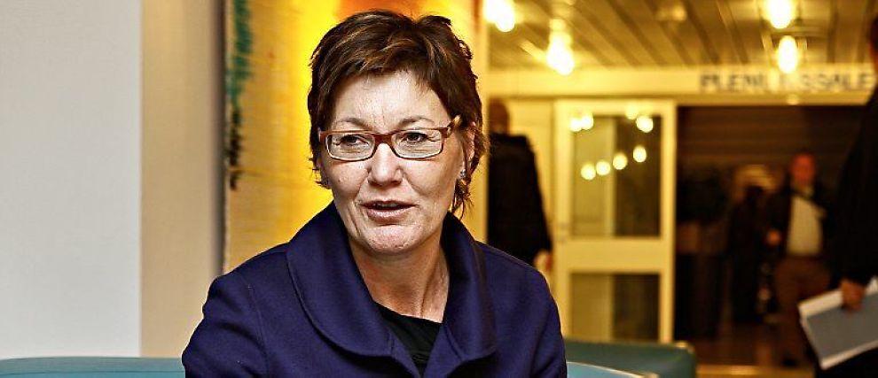 Olaug Svarva er Regjeringens kjappeste hjelper i bestrebelsene med å få lånemarkedene til å fungere igjen. Hun skal forvalte 50 milliarder som skal hjelpe bedrifter ut av lånetørke, og redde arbeidsplasser.
