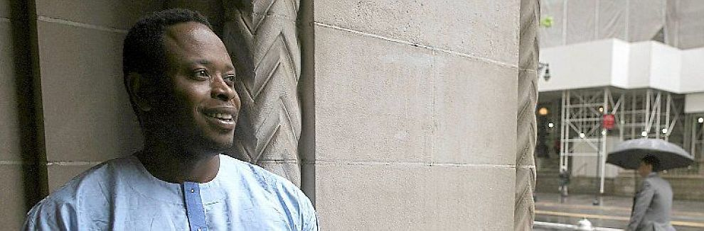 <b>SAKSØKER:</b> Ken Saro-Wiwa junior fotografert i New York, der en domstol nå skal ta stilling til søksmålet han og andre aktivister har anlagt mot oljegiganten Shell. De anklager Shell for delaktighet i det daværende nigerianske militærregimets drap på Ken Saro-Wiwa senior og åtte andre i 1995.