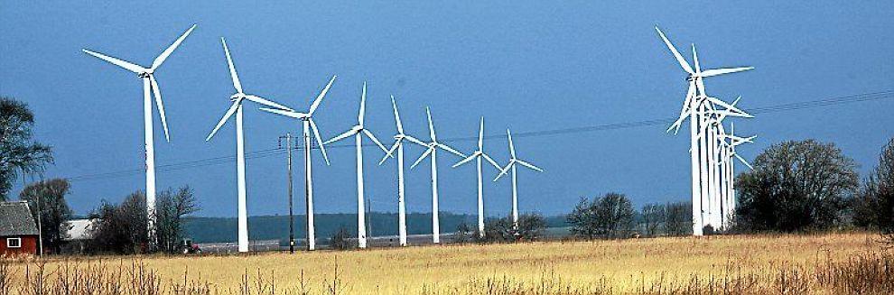 <B>TUNG SPONSING:</B> Store vindmølleparker er neppe den beste løsningen på klimaproblemet, mener E24s skribent.