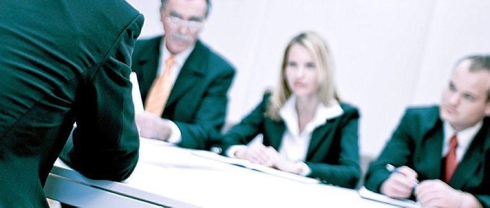 <b>GRUNDIG:</b> Mange jobbsøkrere må gjennom omfattende personlighetsstester. Bortkastet, mener Jon Lund Hansen.