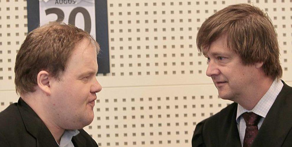 Bjarte Baasland sammen med John Christian Elden da ankesaken startet i Borgarting lagmannsrett mandag morgen.