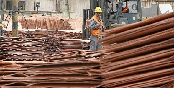 KOBBER: Produksjonen går for fullt ved en av Codelco mange kobbergruver i Chile. Gruveselskapet Codelco er verdens største produsent av kobber.