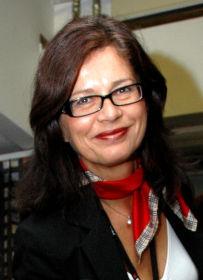 NØYTRAL: HR-direktør Anne Grethe Schiøtz er opptatt av at arbeidsgiver skal kunne stå inne for attestene de skriver.