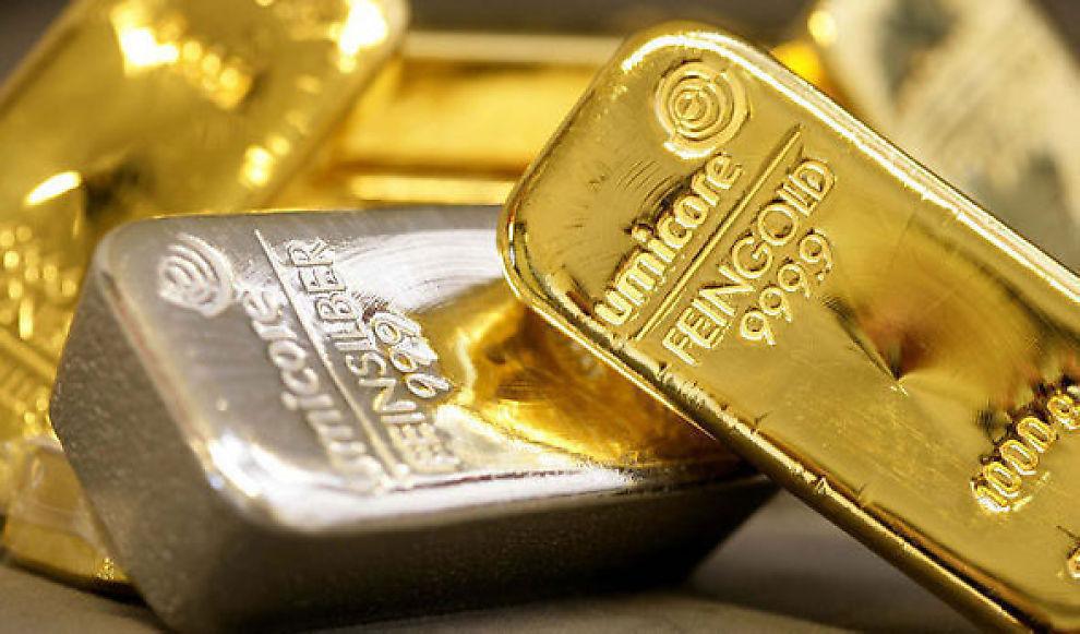 SØLV: Både sølv og gullprisen holder seg rekord-høy i disse dager.