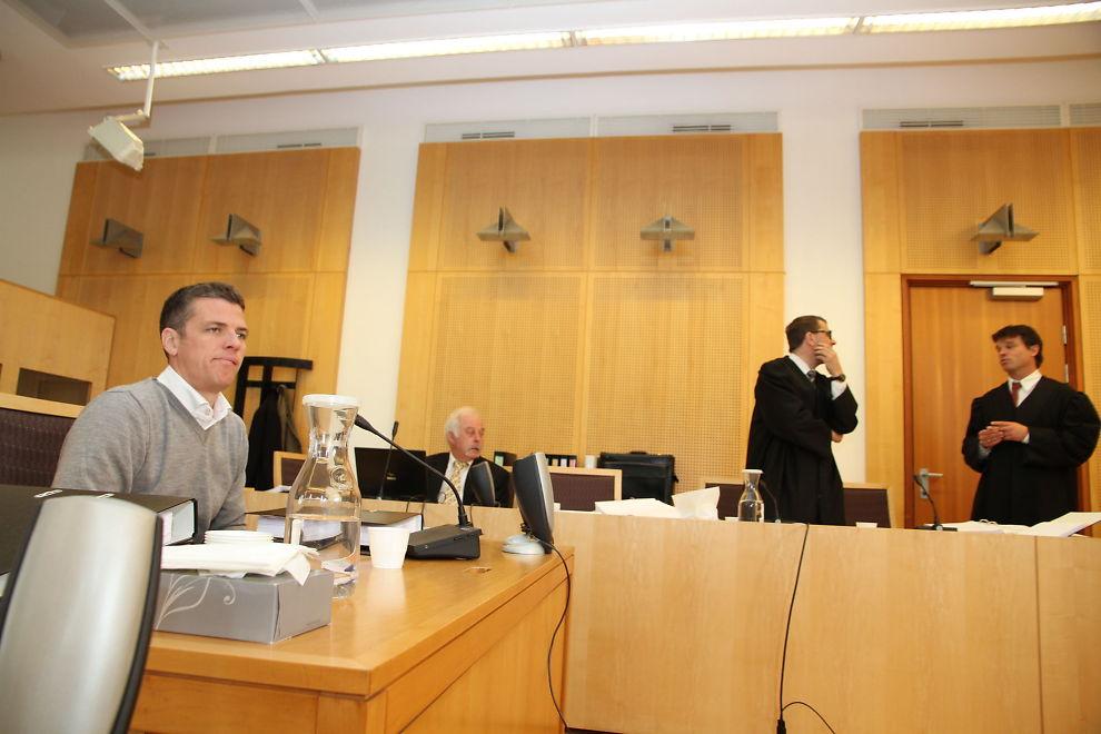 MISTET TILLITEN: Ledelsen i Pareto, deriblant adm. dir. Svein Støle mistet tilliten til Pareto-megler Per-Robert Jacobsen. Han ble bedt om å forlate partnerskapet i Pareto. Aktor til høyre i bildet.
