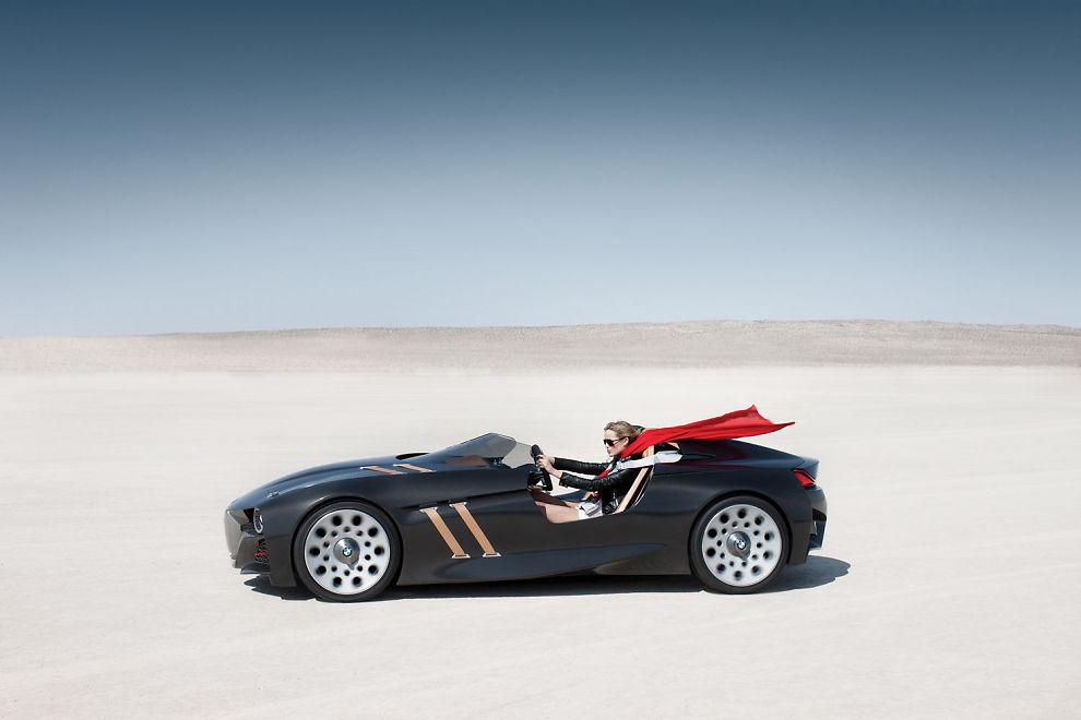SER BAKOVER: BMW markerer 75-årsjubileet til 328-modellen med en remake av bilen.
