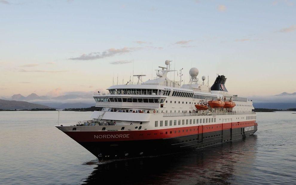 LIVE LANGS KYSTEN: NRK vil sende i fem og et halvt døgn fra hurtigruteskipet MS Nordnorge.