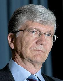 KRITISERER NORGES BANK: Sjeføkonom Steinar Juel og kollegene i Nordea Markets oppdaget ved en tilfeldighet at Norges Bank hadde endret på tallene etter forrige uke pressekonferanse.