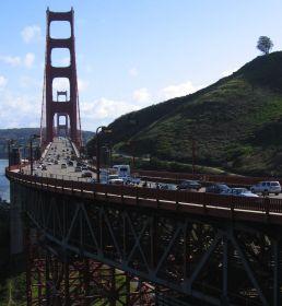 GOLDEN GATE: Når amerikanerne legger ut på bilferie for å besøke Golden Gate-broen i San Francisco, eller severdigheter, slår det ut i de internasjonale bensinmarkedene.