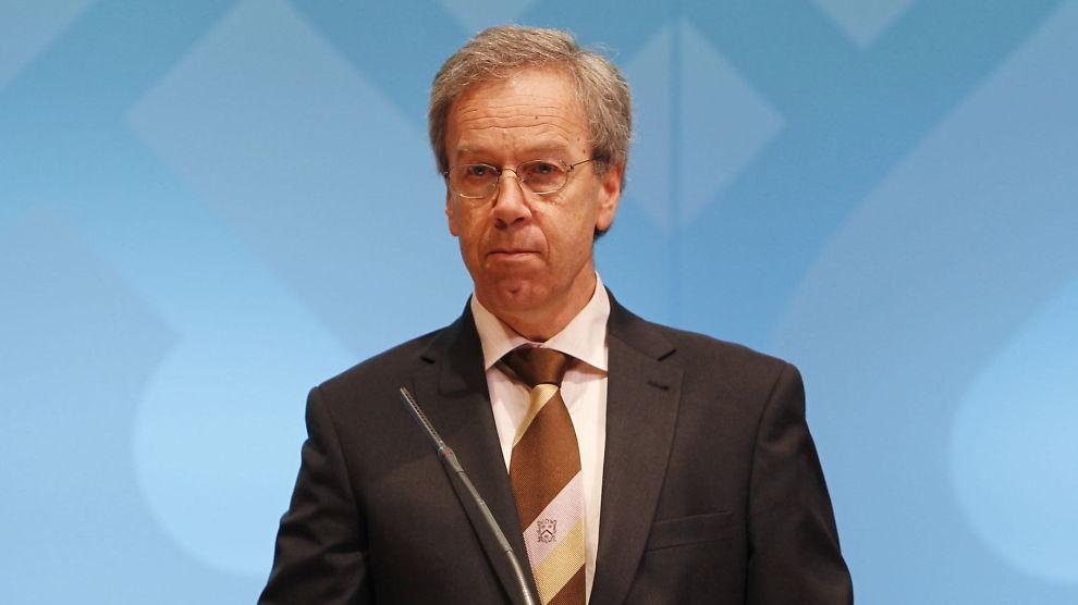 FORNUFTIG: Ifølge sentralbanksjef Øystein Olsens egen plan skulle renten øke med 0,25 prosentpoeng til 2,50 prosent. Men den internasjonale finansuroen fikk ham og hovedstyret i Norges Bank til å utsette økningen.