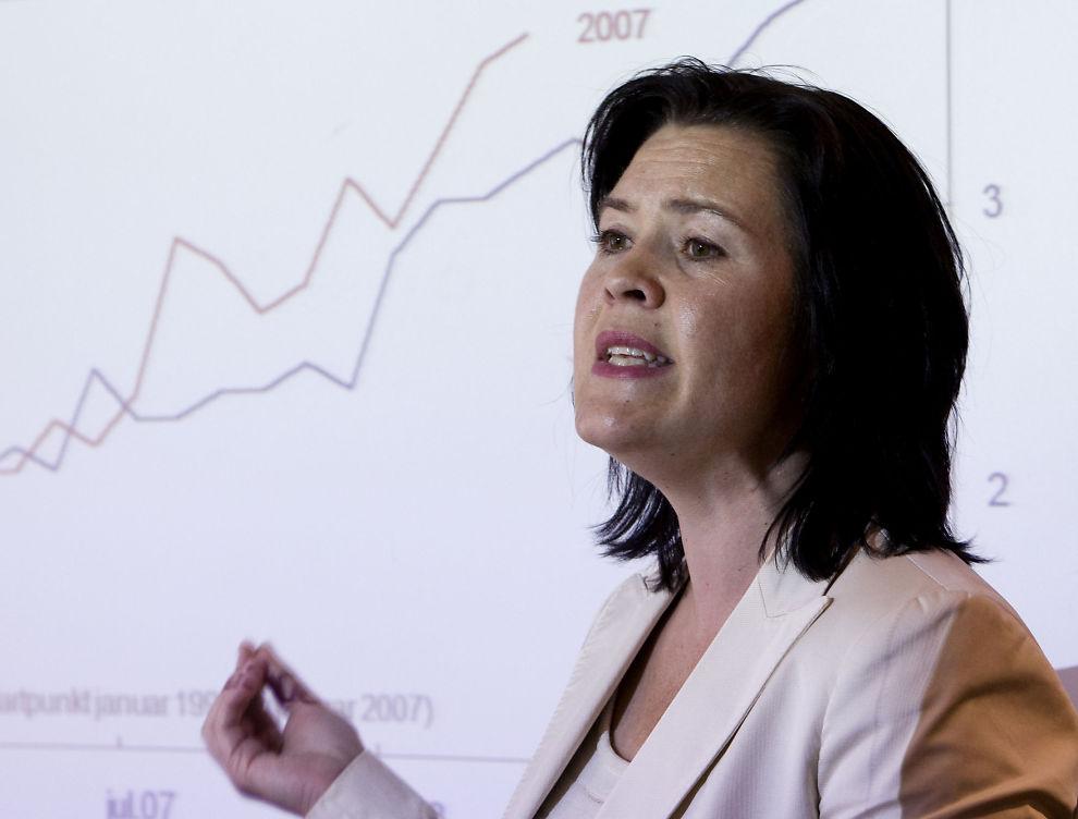 INGEN ENDRING FØR 2013: Sjeføkonom i Sparebank1, Elisabeth Holvik, mener det ikke er behov for økning av styringsrenten neste år.