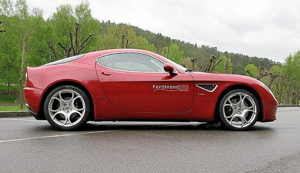 OHHHHH: Det er vanskelig, om ikke umulig, å tenke seg en vakrere bil enn Alfa Romeo 8C Competizione
