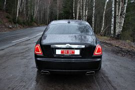 UTEN FAKTER: Ghost er en stor bil og trenger ingen spesialeffekter.