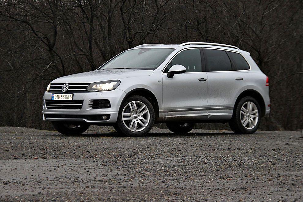 STØRST OG DYREST: Touareg med V8-motoren er den dyreste personbilen til Volkswagen i de norske prislistene.