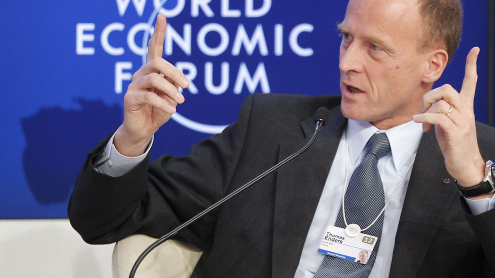 GA RABATT: Airbus-sjef Thomas Enders kan fornøyd konstatere at han har fått Norwegian på kundelisten, dog ikke uten å måtte gi en rabatt. Her snakker han under et møte i World Economic Forum i Davos denne uken.