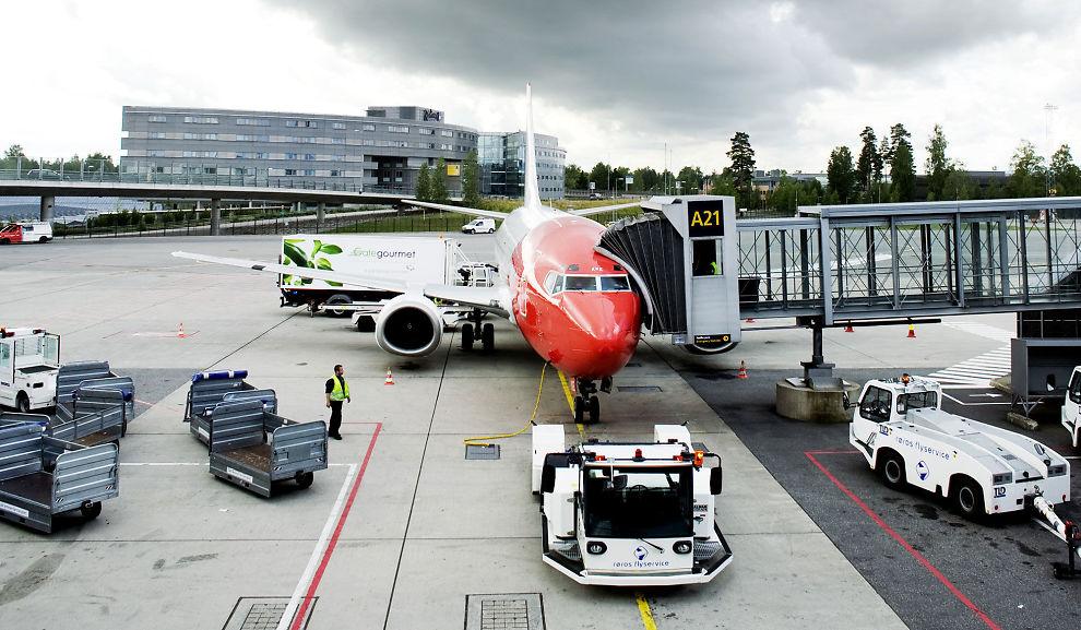 NYE KONTRAKTER: I gamle kontrakter Norwegians piloter har hatt med vikarbyråer, kunne de bli sparket etter fem dagers sykefravær. Norwegian sier at nye kontrakter nå har blitt gitt ut, men vil ikke kommentere innholdet i dem.
