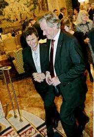 FÅR ROS: Petter Stordalen har stor beundring for Bjørn Kjos' arbeid. Her er de to gründerne på plass under festen på Grand Hotel etter sentralbanksjefens årlige tale.