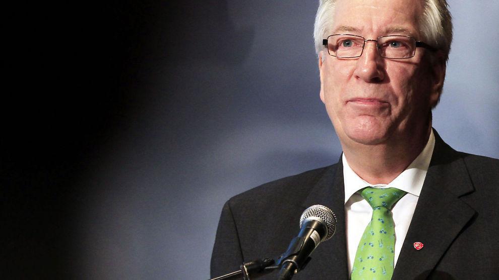 KRITISK TIL HØYE BOLIGLÅN: Alt over to ganger inntekten er farlig, mener finansminister Sigbjørn Johnsen.
