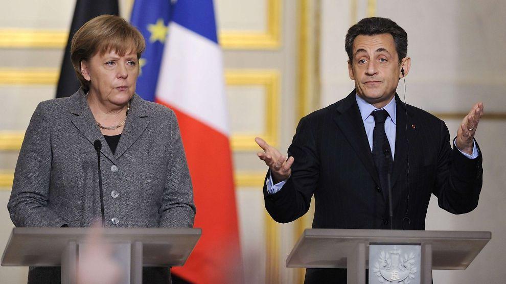 <p>OPPGITT OVER HELLAS: Tysklands statsminister Angela Merkel og Frankrikes president Nicolas Sarkozy holdt mandag en felles pressekonferanse i Paris.</p><p></p><p></p>