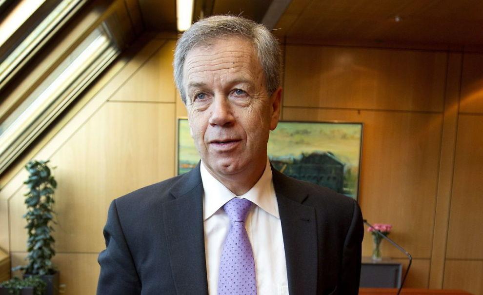 VIL STRAMME INN OLJEPENGEBRUKEN: Sentralbanksjefen i Norges Bank, Øystein Olsen, ber Finansdepartementet stramme inn i bruken av den norske oljeformuen. Her er han avbildet før sin årstale i Oslo torsdag.