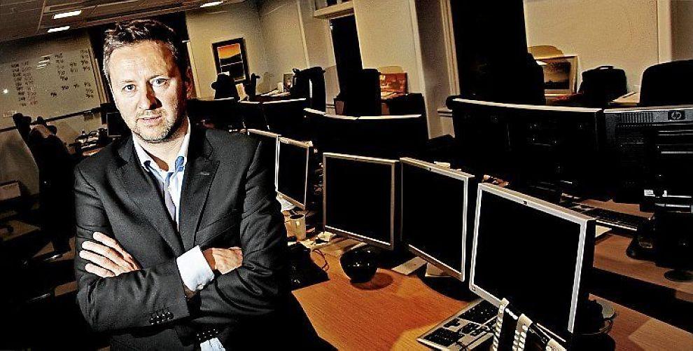OVERRASKET: Sjeføkonom Frank Jullum mener sentralbanksjef Øystein Olsen sender et signal om en ny retning i pengepolitikken i årstalen som ble holdt torsdag kveld.