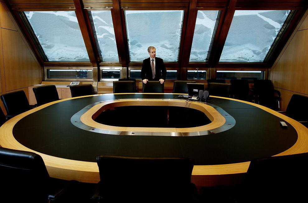 HEVE, SENKE ELLER UENDRET: Sentralbanksjef Øystein Olsen har en vanskelig avgjørelse foran seg.