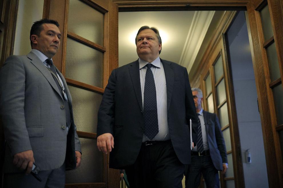 BEKREFTER: Finansminister Evangelos Venizelos bekrefter at de greske gjeldsforhandlingene er i boks.