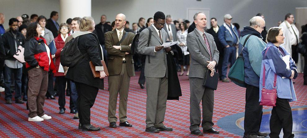 <p>KØ: Jobbsøkere står i kø i Portland i delstaten Oregon i USA. Men arbeidsmarkedet er inne i en knallperiode, viser sammenstilling av ulike ferske tall.</p><p></p>