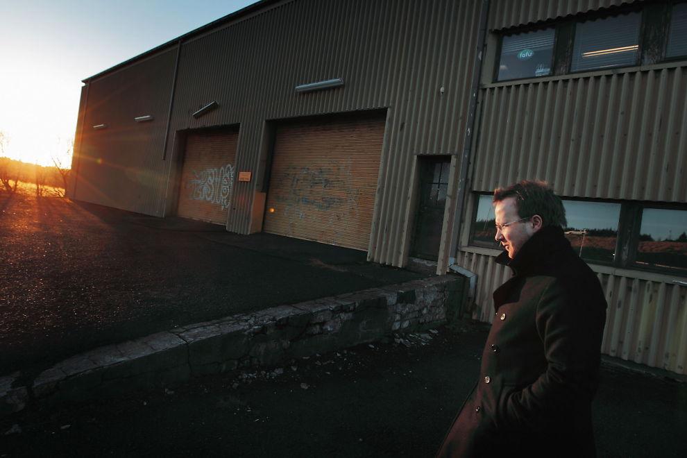 SAMFUNNSKRITIKER: Andri Snær Magnason var svært kritisk til aluminiumsindustriens inntog på Island. Drømmen om olje bringer frem de samme mekanismene, mener Magnason.