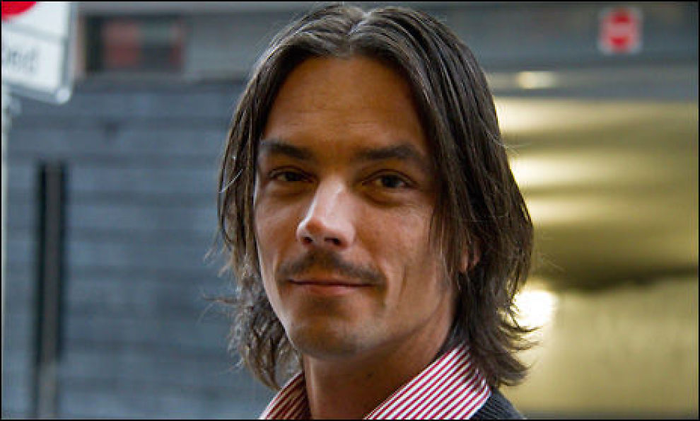 BYTTET TIL SPOT: Espen Abrahamssen (38) fra Oslo byttet til spotpris og fikk lavere strømregning. Foto: Johan Nordstrøm, Dine Penger