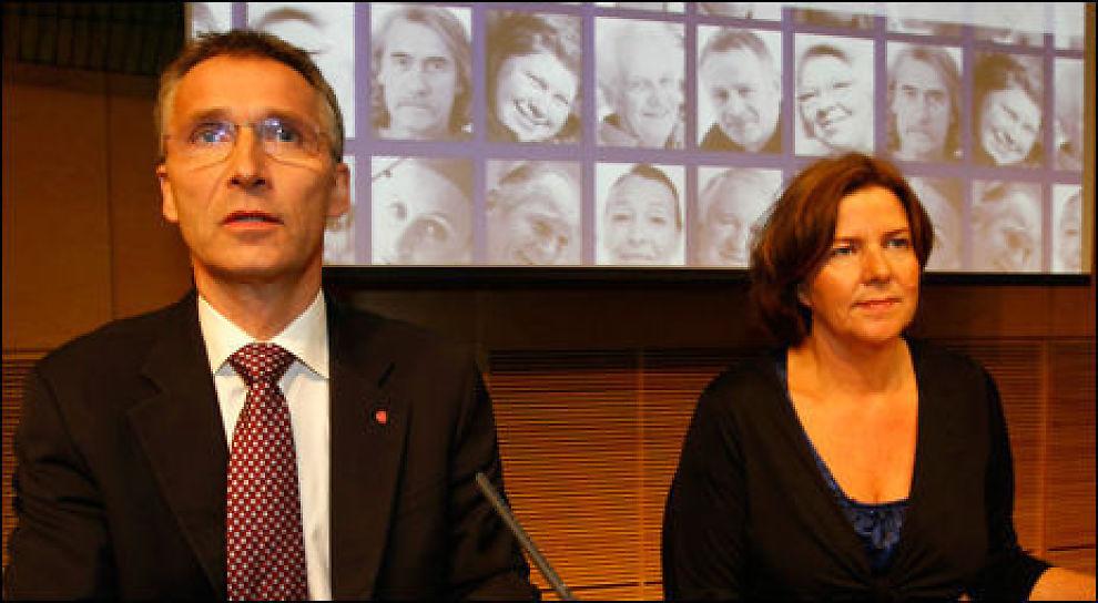 PENSJON: Statsminister Jens Stoltenberg og statsråd Hanne Bjurstrøm presenterte fredag regjeringens forslag til ny uføretrygd og alderspensjon. Foto: Scanpix