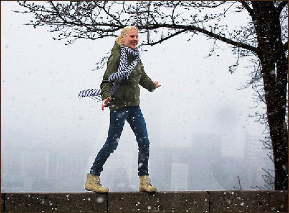 LÆRER-COMEBACK: Hun er i vinden både som artist, nybakt tobarnsmor og som lærer med egen artistskole, lærerutdannede Venke Knutson. Foto: Helge Mikalsen, VG