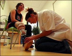 En ortopediingeniør lager blant annet proteser. Illustrasjonsfoto: Colourbox.no