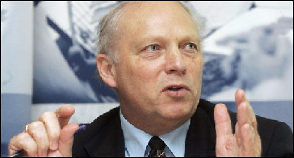 FORNØYD: Finanstilsynsdirektør Bjørn Skogstad Aamo er fornøyd med at alle bankene i undersøkelsen oppgir at de vil følge opp de nye retningslinjene for utlån som Finanstilsynet kom med i mars. Foto: Scanpix