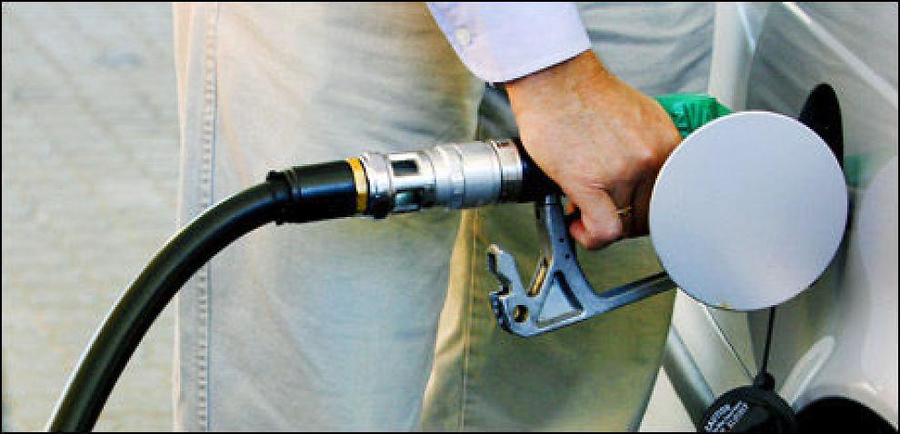 Du kan kutte pumpeprisen med 4 prosent på alle verdens bensinstasjoner med de rette kredittkortene. Se hvilke i artikkelen. Foto: Scanpix.