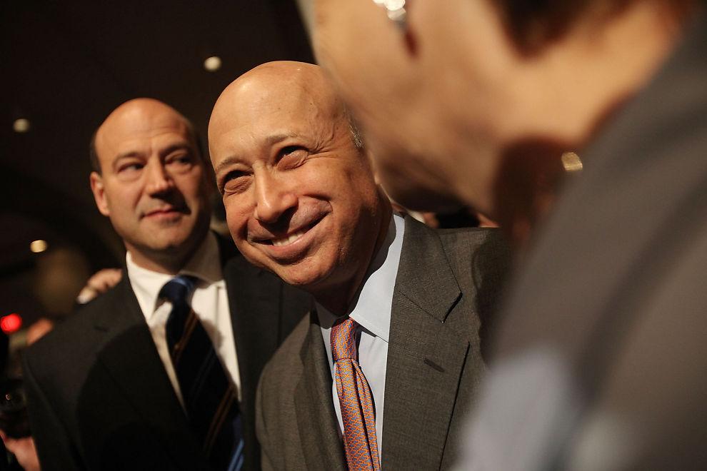 OPPTUR: Analytikere i Goldman Sachs er meget optimistiske i sin seneste analyse av aksjemarkedet. Selg obligasjoner og kjøp aksjer heter det. Her er en glad konsernsjef i Goldman Sachs, Lloyd Blankfein.