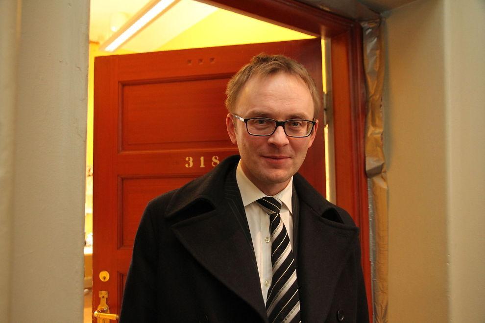 AKSJEROBOTER: Statssekretær Morten Søberg i Finansdepartementet tar aksjerobotenes inntog på Oslo Børs med ro, men tar kritikken på alvor.