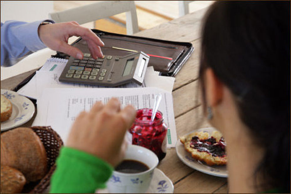 Planlegger du boligkjøp, bør du sjekke hvor lånegrensen din går. Illustrasjonsfoto: www.colourbox.com