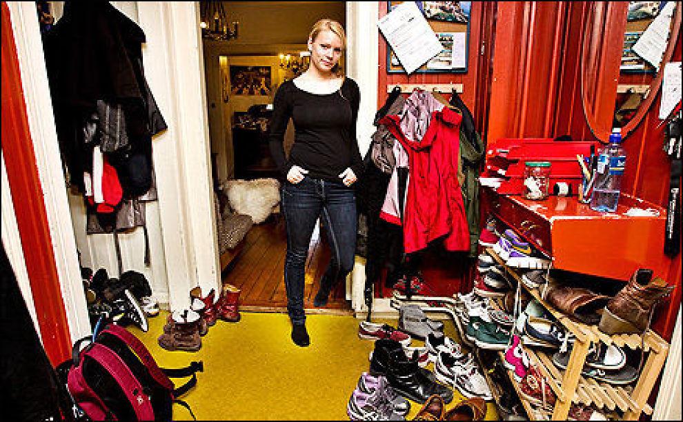 TRANGT I GANGEN: Liv Ellisiv Kalland (26) går på visninger to ganger i uken. Hun har problemer med å finne seg en leilighet som hun klarer å betale for. Bor i dag i kollektiv på Adamsstuen. FOTO: FRODE HANSEN/VG Foto: