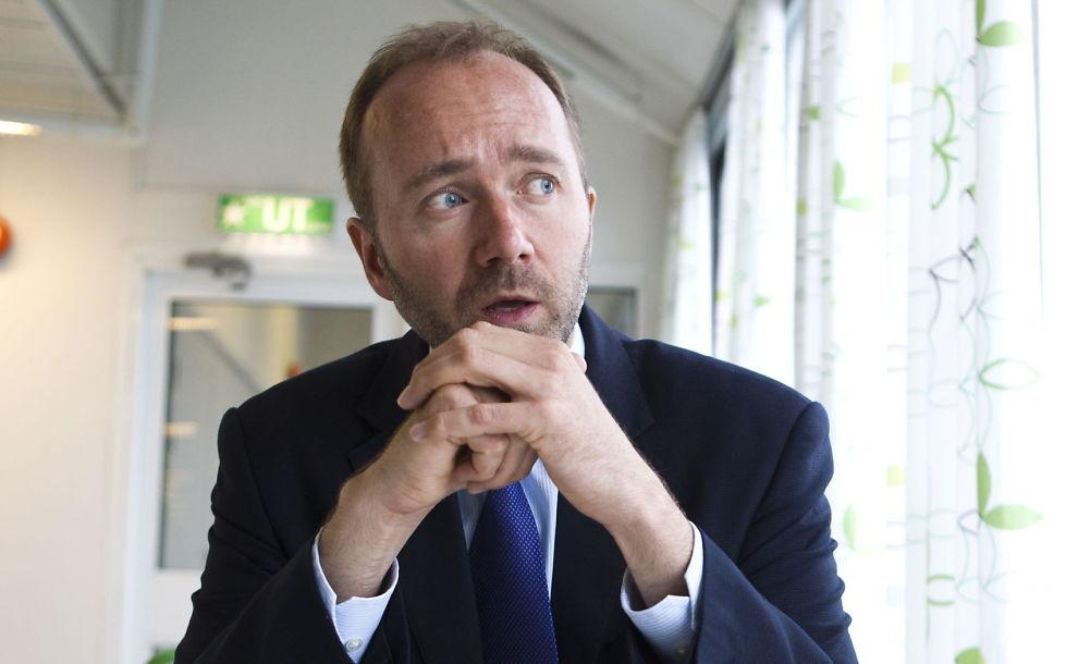 - Så FORT SOM MULIG: Næringsminister Trond Giske vil selge unna SAS, men bare hvis den rette eieren dukker opp.