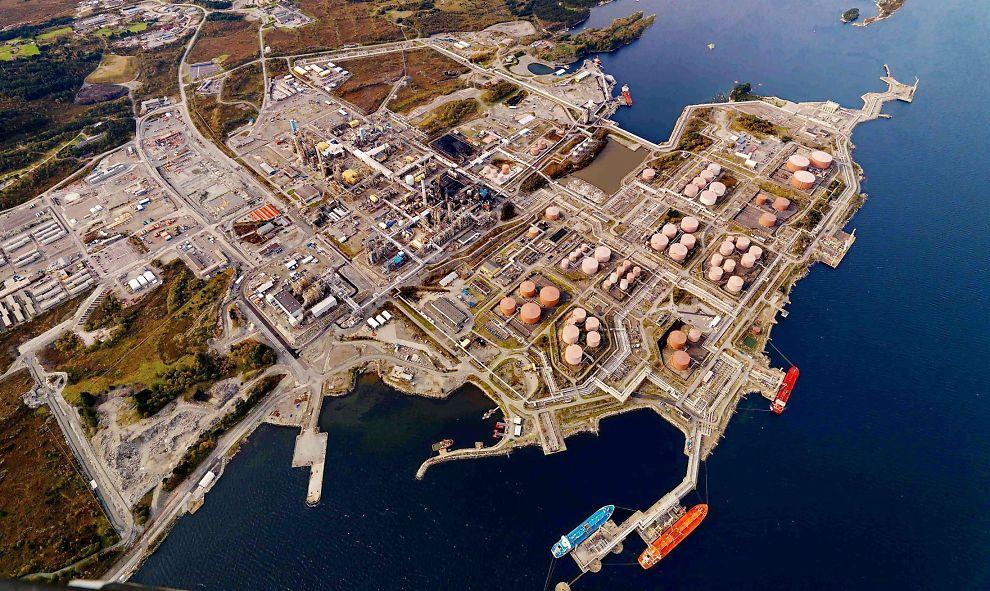 LANGT FRA MÅNEDLANDING: I dag åpner statsminister Jens Stoltenberg testsenteret for CO2-fangst på Mongstad, men det er langt igjen, skriver E24-spaltist Einar Håndlykken.