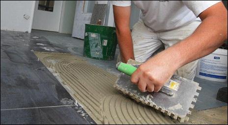 MÅ SJEKKE: Anbudstjenestene kan ikke gå god for kvaliteteten på arbeidet som gjøres. Du må sjekke selv. Illustrasjonsfoto: colourbox.com