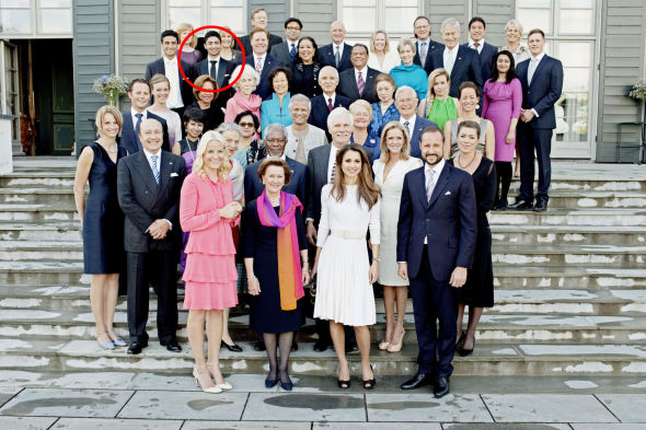 PÅ SKAUGUM: I juni 2011 traff Waleed Ahmed kronprinsparret og Dronningen i forbindelse med at styret til<br/> United Nations Foundation var på besøk i Norge. Unge talenter som kronprinsparet hadde lagt merke til, ble invitert til celeber middag,