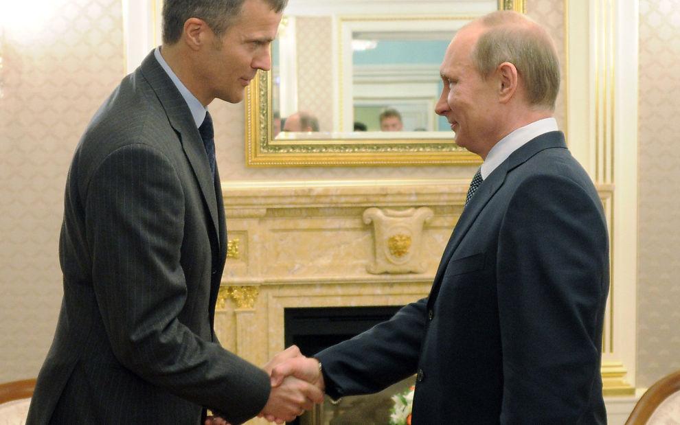 MØTES: Konsernsjef Helge Lund i Statoil og Russlands president Vladimir Putin møtes i dag for å disktuere Sjtokman. Bildet er fra et tidligere møte.