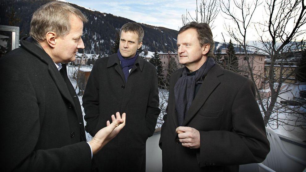 GULLGUTTENE: Fastlønnen til DNB-sjef Rune Bjerke (t.v.) utgjør 71 prosent av totalinntekten hans i 2011. For Statoil-sjef Helge Lund er bare 57 prosent fastlønn, og for Telenors Jon Fredrik Baksaas enda mindre, 54 prosent.