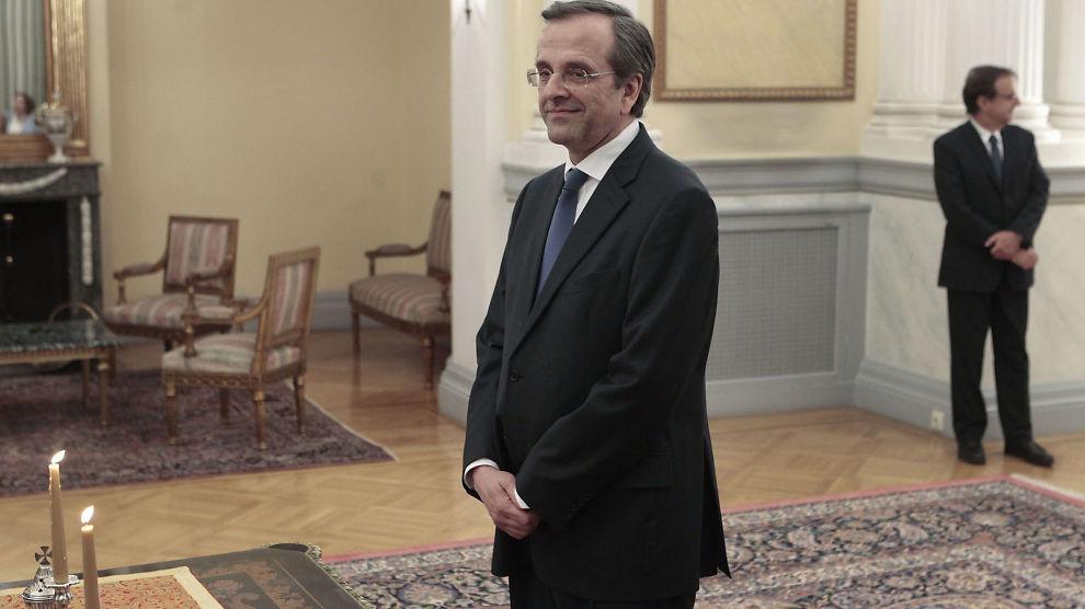 NY STATSMINISTER: Antonis Samaras ble onsdag tatt i ed som Hellas' nye statsminister under en seremoni i presidentpalasset i Aten.