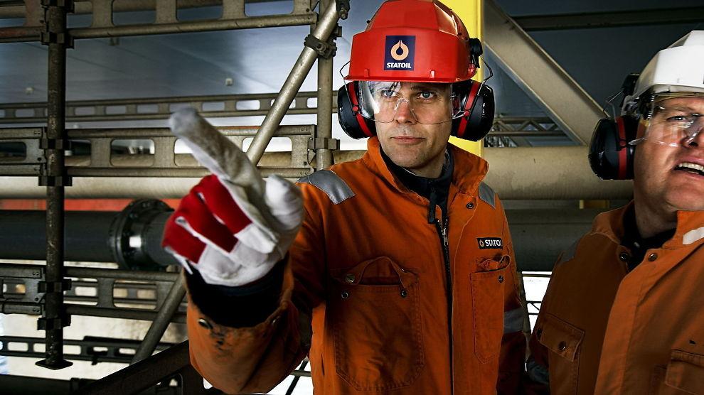 FALL: Statoils aksjer som er notert på New York-børsen faller kraftig torsdag etter lockoutvarsel.
