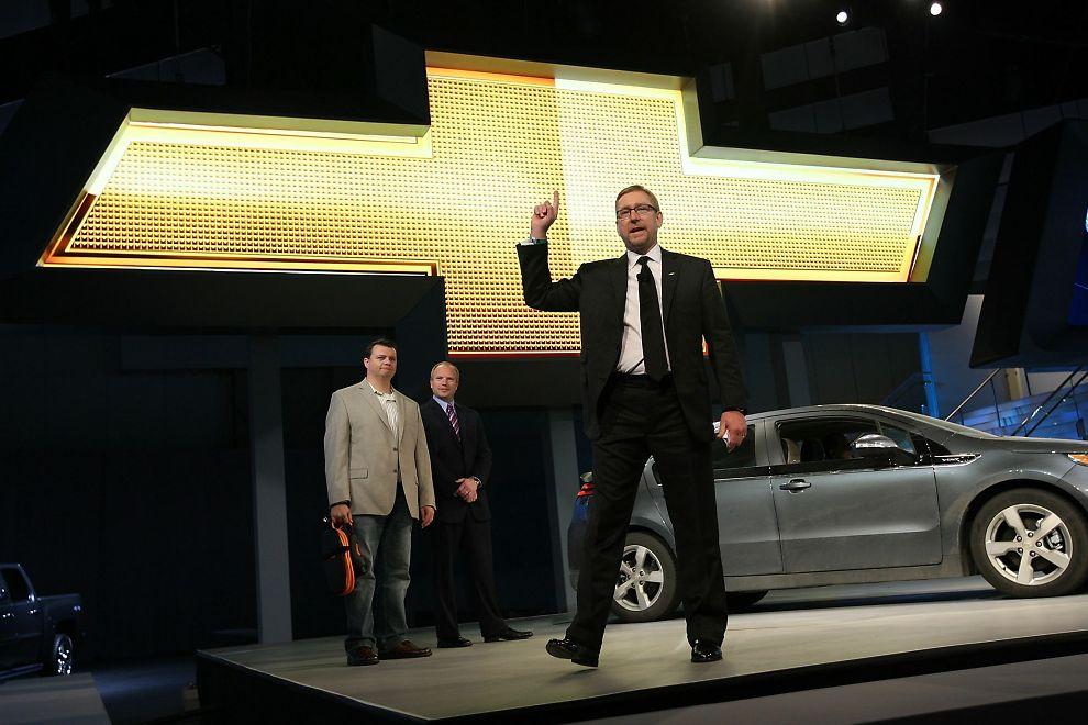 TAKKET FOR SEG: Joel Ewanick som ledet GMs markedsføring globalt har trukket seg fra stillingen mindre enn to år etter at han begynte. Her er Ewanick avbildet under L.A. Auto Show den 17. november 2010 under lanseringen av sportsbilen Chevrolet Camaro.